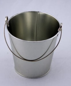 tin bucket diy