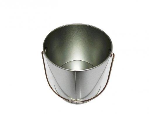 tin bucket with lid