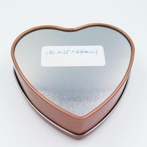 Chocolate tin box with heart shape