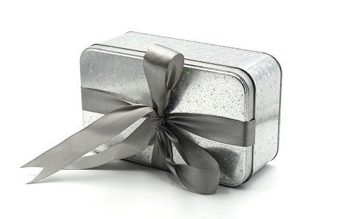 gift packaging wholesale 2 500x321 - Which is Better: Tin Can Vs Aluminum Can