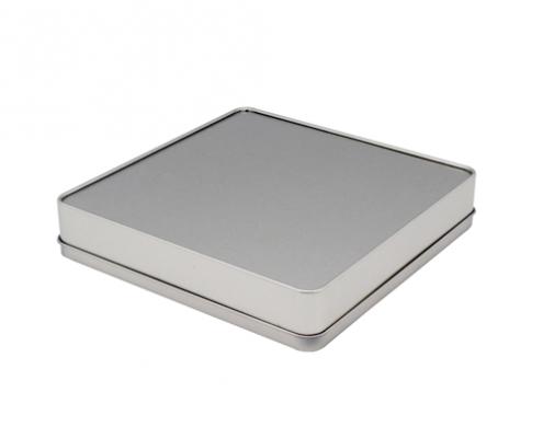 TW433 003 495x400 - Метална квадратна кутия за калай със шарнирен капак за опаковка за бонбони