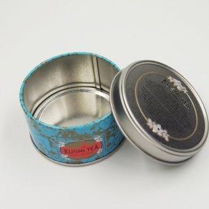 small round tin box2 300x300 - Round Metal Candle Containers For Candle Packaging Ideas